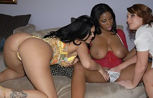 Free Lesbian Interracial Porn Pictures